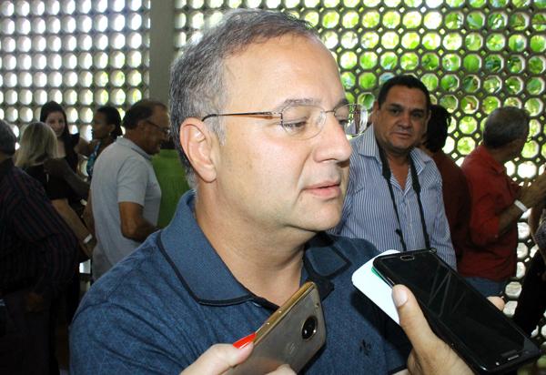 'Sistema de saúde está sobrecarregado com alta no número de infectados pelo coronavírus', diz Fábio Vilas-Boas