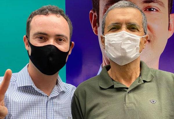 Brumado: Fabrício Abrantes e Aurino Rocha registram candidaturas à prefeito e vice-prefeito