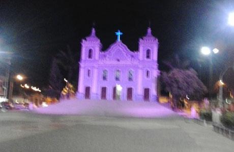 Brumado: Igreja Matriz adere à campanha 'Outubro Rosa'
