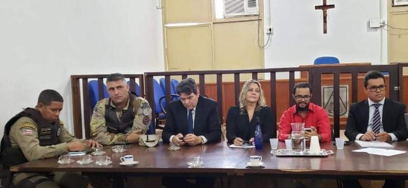 Reunião realizada em Barra da Estiva teve como pauta segurança pública