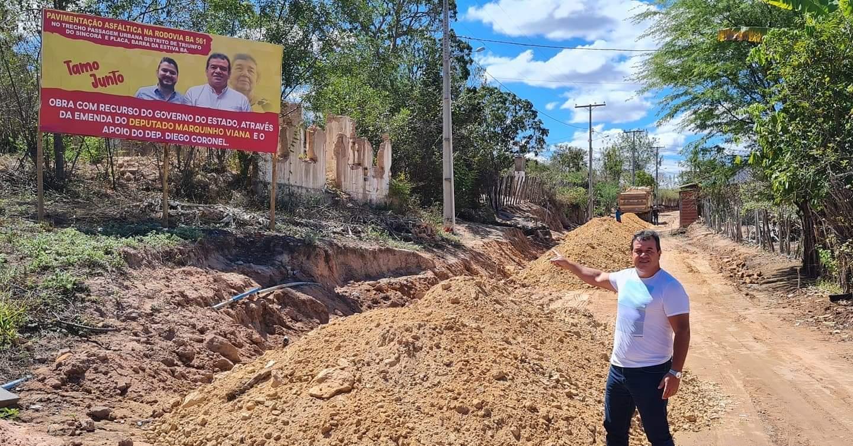 Barra da Estiva: Deputado Marquinho Viana visita a conclusão das obras de asfaltamento de ruas em Triunfo do Sincorá