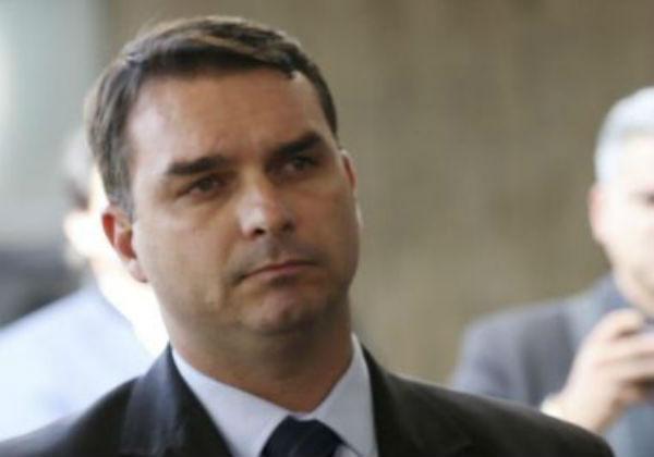 Relatório da Coaf aponta pagamento de título de R$ 1 milhão por Flávio Bolsonaro