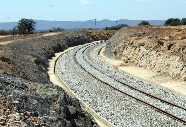 Em nova proposta de concessão, projeto da Ferrovia Oeste-Leste vai ignorar quase 1.000 km do território baiano