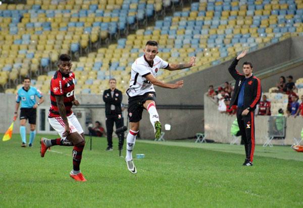 Vitória perde para o Flamengo, por 1 a 0, no Maracanã