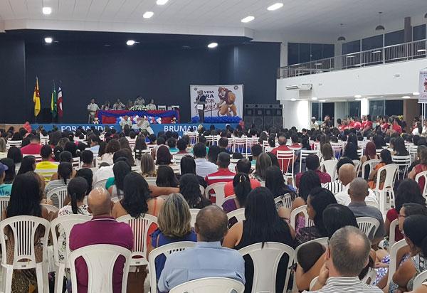 Brumado: 264 alunos do Proerd participaram da solenidade de formatura no Clube Social