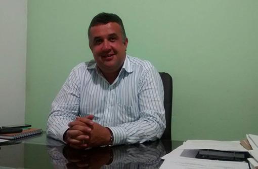 Barra da Estiva: Prefeito Dinho concede reajuste de 13,01% aos servidores da Educação e estabelece piso dos ACS e Agentes de Endemias do município