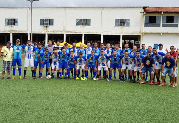 Futebol Solidário é realizado em Brumado com participação de jogadores profissionais e amadores