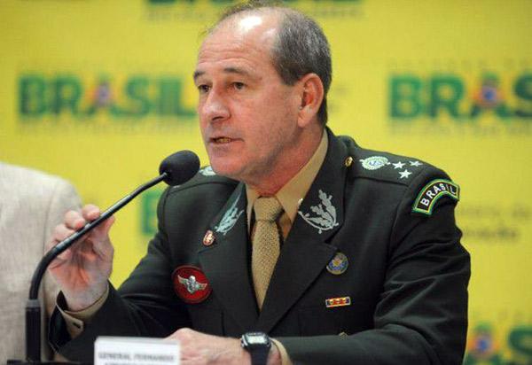 Bolsonaro anuncia o general Fernando Azevedo e Silva para o Ministério da Defesa