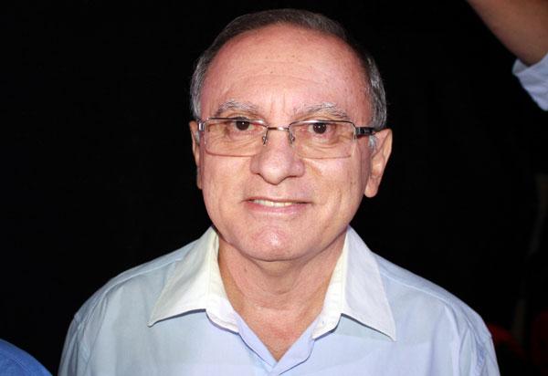 Brumado: Com Covid-19, médico Geraldo Azevedo da entrada em UTI na cidade de Vitória da Conquista