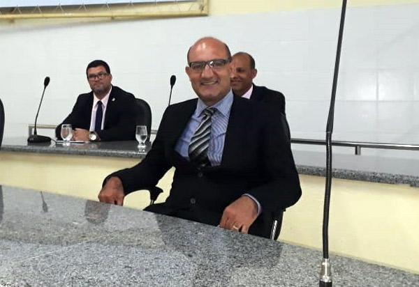 Brumado: Legislativo empossará em sessão solene Girson Ledo, suplente do vereador Dudu Vasconcelos