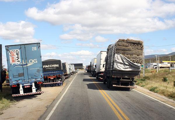 Greve dos caminhoneiros prejudica comércio varejista em maio, diz IBGE