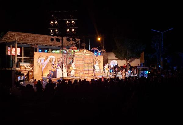 Grupo Galpão de Teatro apresentou em Brumado o espetáculo 'Os Gigantes da Montanha'