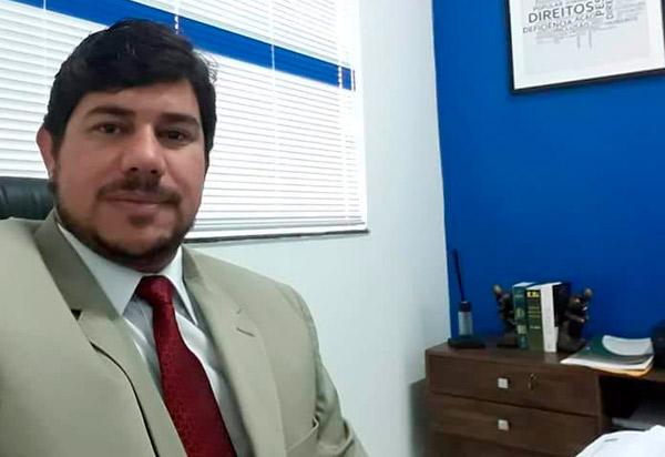 Advogado Jorge Malaquias Filho é exonerado do cargo de assessor jurídico da Câmara de Vereadores de Brumado; Half Cotrim é nomeado