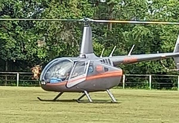 Helicóptero que transportava Vitor Bonfim fez pouso de emergência em campo de futebol em Itacaré