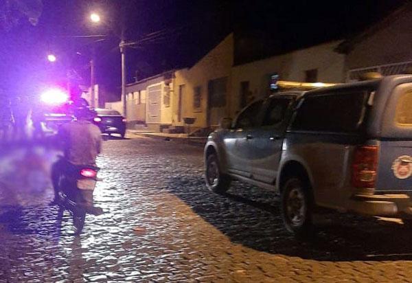 Brumado: Homem é morto a tiros na Rua Virgílio Ataíde