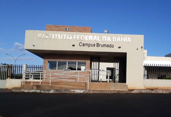 Aprovados no Ifba em Brumado, alunos de Livramento aguardam liberação de ônibus da prefeitura