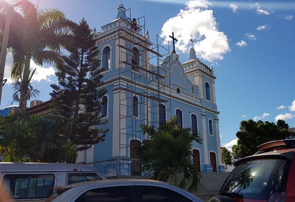Igreja Matriz de Brumado passa por recuperação da pintura