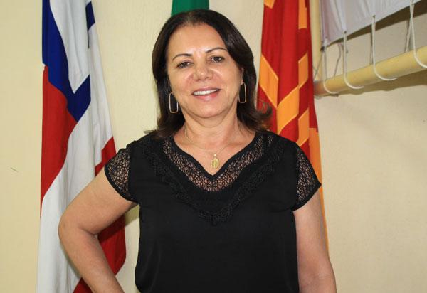 Brumado: vereadoraIlkaAbreu solicita que prefeitura doe material de limpeza e cestas básicas para os alunos das escolas de tempo integral