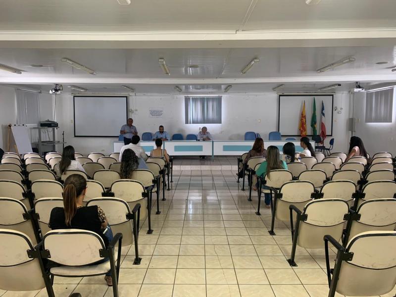 Visando ampliar as ações de combate ao coronavírus, prefeito de Brumado dá posse a profissionais de saúde aprovados em concurso anterior