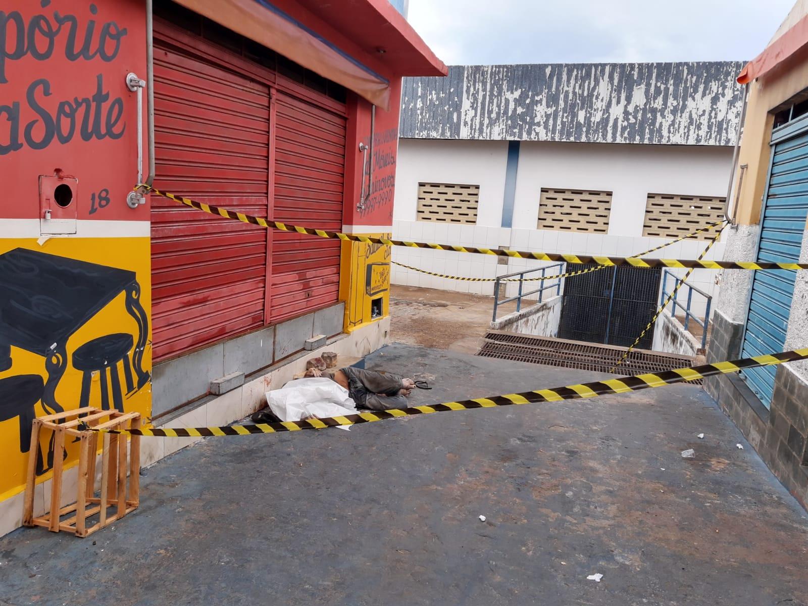 Brumado: Homem é morto a pedradas no Mercado Municipal