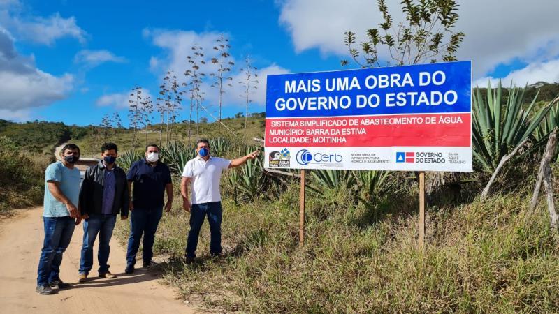 Barra da Estiva: Marquinho Viana visita obra de implantação do sistema de abastecimento de água da comunidade de Moitinha