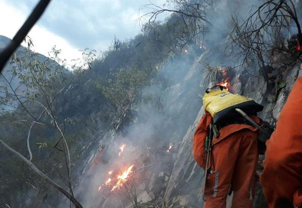 Incêndio de grandes proporções atinge área entre as cidades de Rio de Contas e Livramento de Nossa Senhora