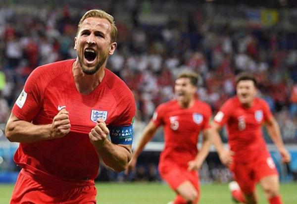 Inglaterra desempata no fim do segundo tempo e vence a Tunísia