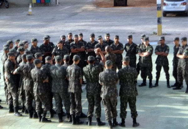 Brumado: 34ª CIPM promoveu instrução de manuseio e manutenção do FAL aos integrantes do Tiro de Guerra