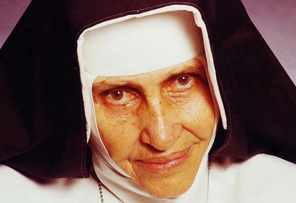 Irmã Dulce será a primeira mulher nascida no Brasil a ser canonizada; segundo milagre atribuído a ela foi reconhecido pelo Vaticano