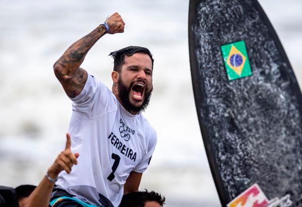 Surf: Italo Ferreira conquista o primeiro ouro do Brasil nos Jogos de Tóquio