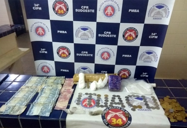 Duas pessoas são presas acusadas de tráfico de drogas em Ituaçu