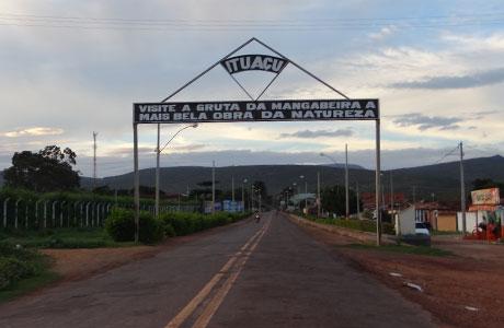 Ituaçu: Jovem mata namorada com golpes de faca e tenta suicídio