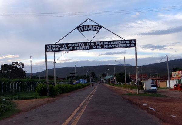 MP aciona pré-candidatos a cargo de prefeito de Ituaçu por promoverem aglomerações