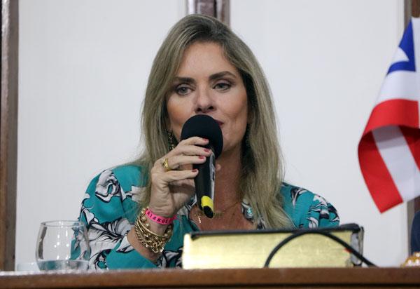 Ivana acredita em união de forças para resolver causas comuns no 4º Encontro do Parlanordeste