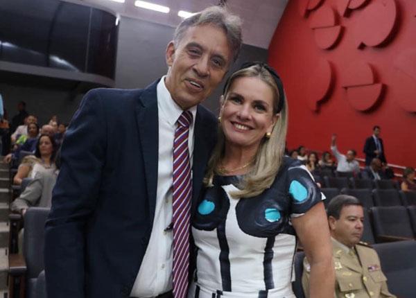 Ivana Bastos faz homenagem a Vandilson Costa