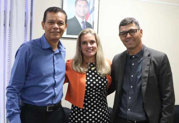 Guanambi: Ivana solicita a implantação de sinal de celular para Morrinhos