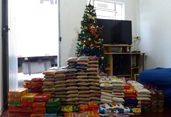 Anagé: Projeto ll Natal sem Fome arrecadou alimentos durante o  V Jogo da Amizade