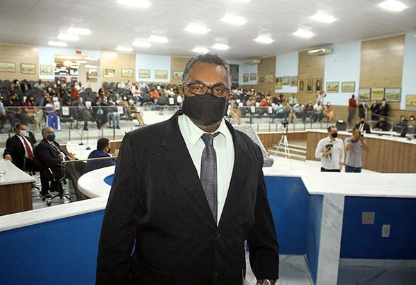 Presidente da Câmara de Vereadores de Brumado testa positivo para Covid-19
