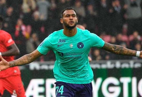 Júnior Brumado marca três vezes na Liga da Dinamarca