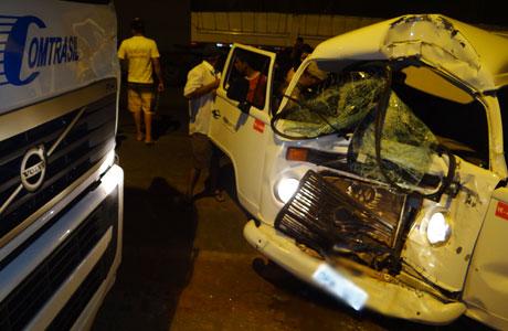 Brumado: Colisão envolvendo veículo que presta serviço a Fiol