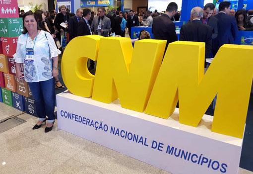 Em Brasília, a prefeita de Aracatu participou da XXI Marcha em Defesa dos Municípios