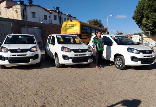 Aracatu: prefeitura disponibiliza novos veículos e equipamentos de informática as secretarias