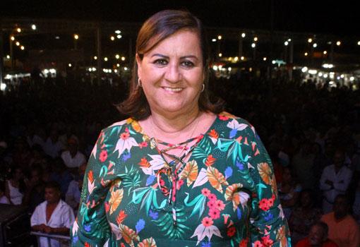 Aracatu: mensagem do Dia dos Trabalhadores da prefeita Lêda Matias