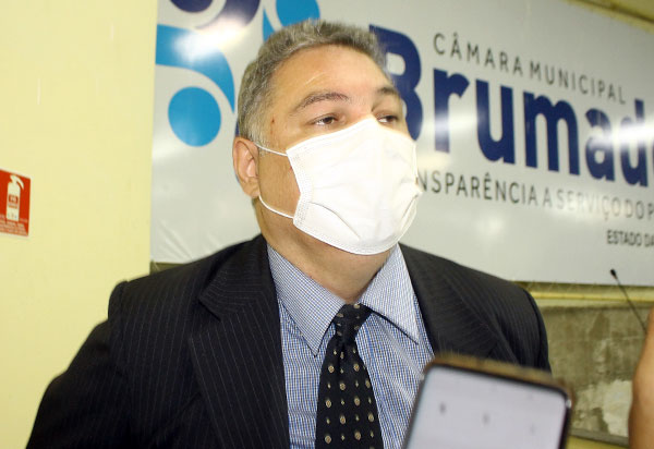 TRE-BA derruba cassação de diploma e inelegibilidade do presidente do Legislativo Léo Vasconcelos