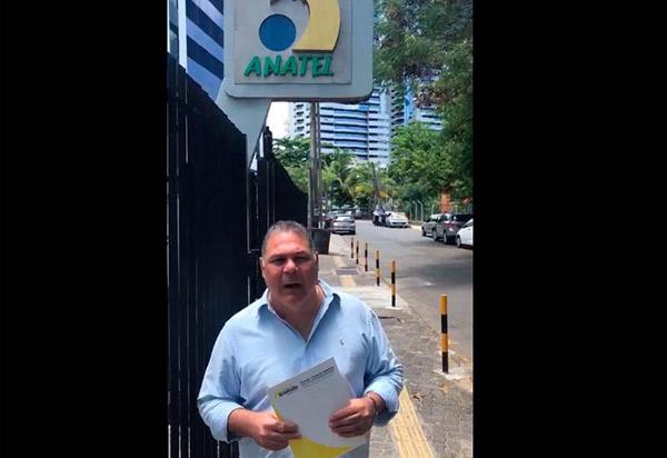 Presidente do Legislativo de Brumado vai à agência da Anatel em Salvador iniciar o processo de implantação da Rádio Câmara 103.3
