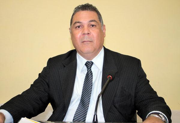Reivindicação do presidente da Câmara de Vereadores de Brumado para reabertura dos bares e restaurantes é atendida em parte; ele questionou a restrição