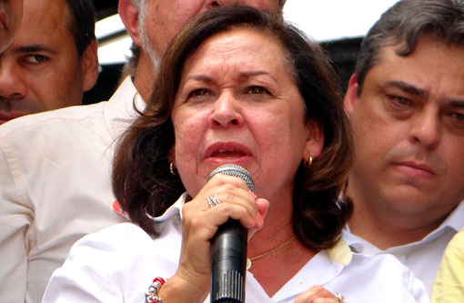 Eleições 2014: Má qualidade da educação é 'herança do DEM', diz Lídice