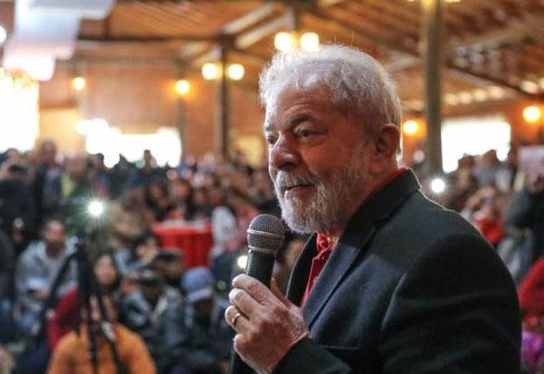Lula recorre para que pedido de liberdade vá à 2ª Turma do STF