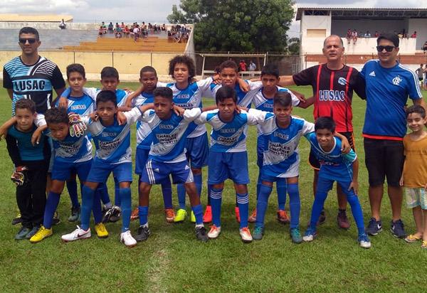 Brumado: atletas da escolinha de Futebol LUSAC passam em peneira do América-MG
