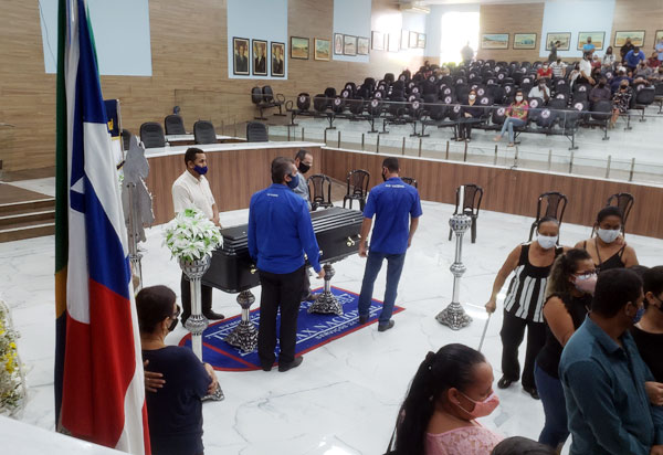 Câmara de Vereadores de Brumado decreta luto de 07 dias pela morte de José Carlos de Jonas